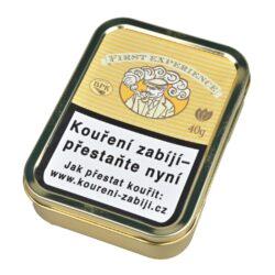 Dýmkový tabák BPK First Experience, 40g-Dýmkový tabák BPK First Experience. Jemná a chutná tabáková směs hodná pro začínající kuřáky dýmky. Balení plechová krabička 40g.