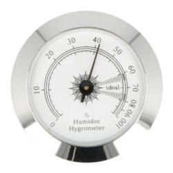 Vlhkoměr Angelo, 50mm-Standardní vlhkoměr Angelo do humidoru. Vlhkoměr je vhodný do středních nebo větších humidorů. Kulatý vlhkoměr s lesklým chromovým povrchem se uchytí vložením do otvoru v humidoru. Vnější průměr: 50 mm Vnitřní průměr pro vložení: 47 mm
