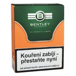 Dýmkový tabák Bentley The Oriental Amber, 50g-Dýmkový tabák Bentley The Oriental Amber. Tabáková směs připravená z nejkvalitnějších orientálních a Virginia tabáků s nádechem Perique, dávají této směsi svou pikantní chuť. Pečlivá fermentace a špetka Latakie zaručují zralou aromatickou chuť. Tabák je balený v neprodyšně uzavřené folii a v papírové originální krabičce. Balení 50g.