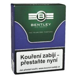 Dýmkový tabák Bentley The Planters Purpure, 50g-Dýmkový tabák Bentley The Planters Purpure. Aromatizovaná středně silná směs připravená z viržinského tabáku a černého Cavendishe s ovocným chutí, pro kterou jsou typické jemné a příjemné tóny fialek a švestek. Tabák je balený v neprodyšně uzavřené folii a v papírové originální krabičce. Balení 50g.