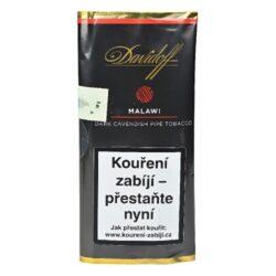 Dýmkový tabák Davidoff Malawi, 50g-Kvalitní a oblíbený dýmkový tabák Davidoff Malawi. Silnější tabáková směs s vanilkovým aroma je vytvořena unikátní kombinací vyzrálých Burley tabáků, na vzduchu sušených Virginia tabáků z Malawi s jemnou špetkou dánského tmavého Cavendishe. Celá směs je ručně smíchána s originální sluncem sušenou mexickou vanilkou, která je proslavena svojí jemnou a sladkou chutí. Balení pouch 50g.