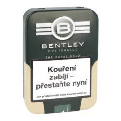 Dýmkový tabák Bentley The Royal Gold, 100g-Dýmkový tabák Bentley The Royal Gold. Příjemně aromatizovaná středně silná tabáková směs připravená z nejlepšího viržinského tabáku s troškou Burleye a černého Cavendishe, která je jemně ochucená lesní medem a madagarskou vanilkou. Tabák je dodávaný v originální plechové dóze. Balení 100g.