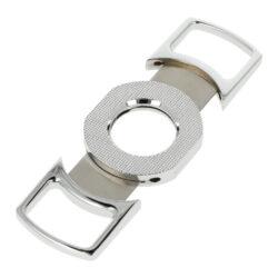 Doutníkový ořezávač Faro silver, 25mm-Dvoubřitý doutníkový ořezávač Faro Silver. Kovový ořezávač na doutníky v chromovém leštěném provedení má tělo zdobené hrubší texturou. Ostré ocelové břity zajistí rychlý a čistý ořez vašeho doutníku. Doutníkový ořezávač je dodávaný v dárkové krabičce.  Max. průměr otvoru pro doutník: 25 mm Rozměry zavřeného ořezávače (Š x H x V): 100 x 8 x 44 mm Rozměry otevřeného ořezávače (Š x H x V): 130 x 8 x 44 mm