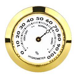 Vlhkoměr Angelo, 37mm-Standardní vlhkoměr Angelo do humidoru. Vhodný do menších humidorů. Barva zlatá. Vhodný pro humidory 82027, 82055, 92016, 92017, 920550. Vnější průměr: 37 mm Vnitřní průměr: 33 mm