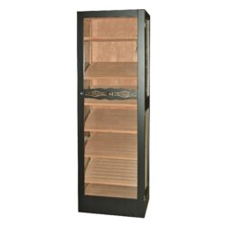 Humidor na doutníky Angelo Jason skříňový-Skříňový humidor na doutníky s prosklenými dveřmi a boky a šesti úložnými plochami a kapacitou cca 300 až 400 doutníků. Dodáván s plně automatický zvlhčovačem Cigar Oasis II XL. Vnitřek humidoru je vyložený cedrovým dřevem. Rozměr: 172x41x55 cm.  Humidory jsou dodávány nezavlhčené, proto Vám nabízíme bezplatnou volitelnou službu Zavlhčení humidoru, kterou si vyberete v Souvisejícím zboží. Nový humidor je nutné před prvním uložením doutníků zavlhčit, upravit a ustálit jeho vlhkost na požadovanou hodnotu. Dobře zavlhčený humidor uchová Vaše doutníky ve skvělé kondici.