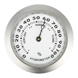 Vlhkoměr Angelo, 37mm-Standardní vlhkoměr Angelo do humidoru se suchým zipem. Vhodný do menších humidorů. Barva stříbrná. Vnější průměr: 37 mm Vnitřní průměr pro vložení: 33 mm
