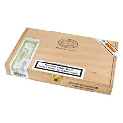 Doutníky Partagas Serie D No.5, 10ks-Kubánské doutníky Partagas Serie D No.5. Doutníky Partagas jsou rychle rozpoznatelné a to svojí příjemnou zemitou chutí a kořeněnou příchutí. Při ruční výrobě se používají vybrané tabákové listy ze známých plantáží v oblasti Vuelta Abajo. Díky chuti a vůni, kterou doutníky Partagas Serie D No.5 získají, jsou velmi oblíbené mezi kuřáky doutníků. Doba hoření je cca 45-60 minut. Doutníky Partagas Serie D No.5 jsou balené po 10 ks v originální cedrové krabici Partagas a prodávají se pouze po celém balení.  Délka: 110 mm Průměr: 19,8 mm Velikost prstýnku: 50 Tvar/velikost doutníku: Petit Robusto Typ doutníku dle skladování: doutník vlhký  Původ doutníku: Kuba Krycí list: Kuba Vázací list: Kuba Náplň: Kuba Síla tabáku: full