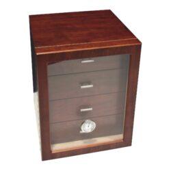 Humidor na doutníky Cabinett hnědý 70D, stolní-Stolní humidor na doutníky s kapacitou cca 70 doutníků. Dodáván s vlhkoměrem a polymerovým zvlhčovačem. Vnitřek humidoru je vyložený cedrovým dřevem. Rozměr: 24x25x30 cm.