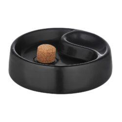 Dýmkový popelník keramický, černý-Dýmkový popelník s odkladem na jednu dýmku, keramický. Kulatý popelník na dýmku má průměr 17cm. Provedení: matné.