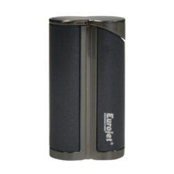 Tryskový zapalovač Eurojet Yorki, černý-Elegantní tryskový zapalovač Eurojet Yorki. Kovový turbo zapalovač je v černém matném provedení kombinovaný s lesklým gunmetalovým povrchem. Při stisku tlačítka se horní kryt odklopí a dojde k zapálení trysky. Ve spodní části zapalovače najdeme plnící ventil plynu a ovládání intenzity plamene. Zapalovač je dodáván v originální dárkové krabičce. Výška 6,5cm.