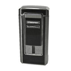 Doutníkový zapalovač Winjet Romano, černý-Doutníkový zapalovač. Tryskový zapalovač na doutníky má integrovaný vyštípávač. Zapalovač je plnitelný. Doutníkový zapalovač je dodáván v dárkové krabičce. Výška 7,5cm.