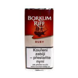 Dýmkový tabák Borkum Riff Ruby 40g-Dýmkový tabák Borkum Riff Ruby. Jemná a sladší směs skvěle vyvážených tmavých tabáků Kentucky a Burley v kombinaci s lehčím Bright Virginia. Díky speciální fermentaci tabáků, je kouření této směsi velmi lahodné a doprovází jej příjemný nádech třešně a vanilky. Balení pouch 40g.