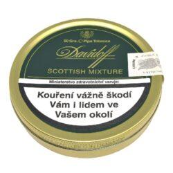 Dýmkový tabák Davidoff Scottish Mixture, 50g-Kvalitní dýmkový tabák Davidoff Scottish Mixture. Lehká, chutná a aromatická směs se střením řezem s čerstvým a delikátně květnatým aroma, které propůjčuje velmi příjemnou vůni. Jedna z nejvíce populárních dýmkových směsí vytvořená z vybraných listů tabáků Virginia, Burley, Kentucky a malého přídavku orientálních tabáků, zjemněná douškem jemné Scotchwhisky. Balení plechová krabička 50g.