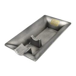 Doutníkový popelník Angelo, kovový-Doutníkový popelník na 1 doutník, kovový. Obdelníkový popelník na doutníky má rozměr 8,5x16x3cm.