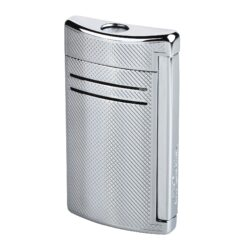 Zapalovač S.T. Dupont Maxijet, chromový squares-Kvalitní tryskový zapalovač S.T. Dupont Maxijet známé francouzské značky. Za preciznost zpracování kovového zapalovače hovoří sama značka S.T. Dupont. Díky silnému plamenu je vhodný nejen k zapalování cigaret, ale i doutníků. Na boční straně je umístěné okénko, kde je možné vidět hladinu plynu v zapalovači. Na spodní části zapalovače Dupont najdete nastavení intenzity plamene a ventil na plnění plynem. Zapalovač je dodáván v dárkové bílé krabičce s logem. Výška: 6,5cm. Zapalovače S.T. Dupont nejsou při dodání naplněné plynem.
