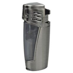 Doutníkový zapalovač Winjet Locarno šedý-Elegantní doutníkový zapalovač Winjet Locarno. Kvalitní kovový tryskový zapalovač na doutníky v gunmetalovém provedení s průhledným zásobníkem plynu, skrze který můžete kontrolovat jeho hladinu. Po stisknutí tlačítka se horní kryt odklopí a zapálí tři trysky a vznikne silný plamen pro zapálení Vašeho oblíbeného doutníku. Doutníkový zapalovač je vybavený integrovaným vyštípávačem o průměru 0,7cm. Ve spodní části je umístěn plynový plnící ventil a regulace intenzity plamene. Zapalovač je dodávaný v dárkové krabičce. Výška zapalovače 7,8cm.